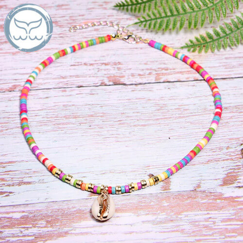 collier coquillage multicolore